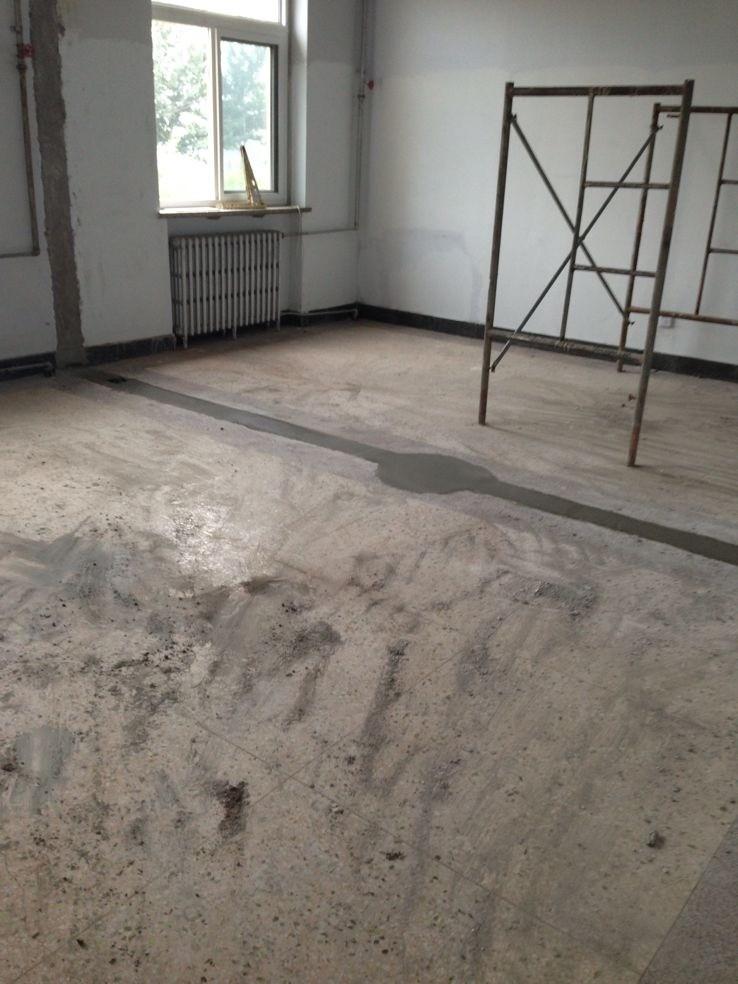 水磨石地面施工价格_水晶渗硅水磨石       八, 楼梯平面有一条防滑